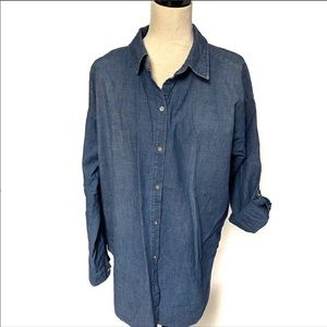 💸💸💸Chico's Chambray Blue Long Sleeve Butto…